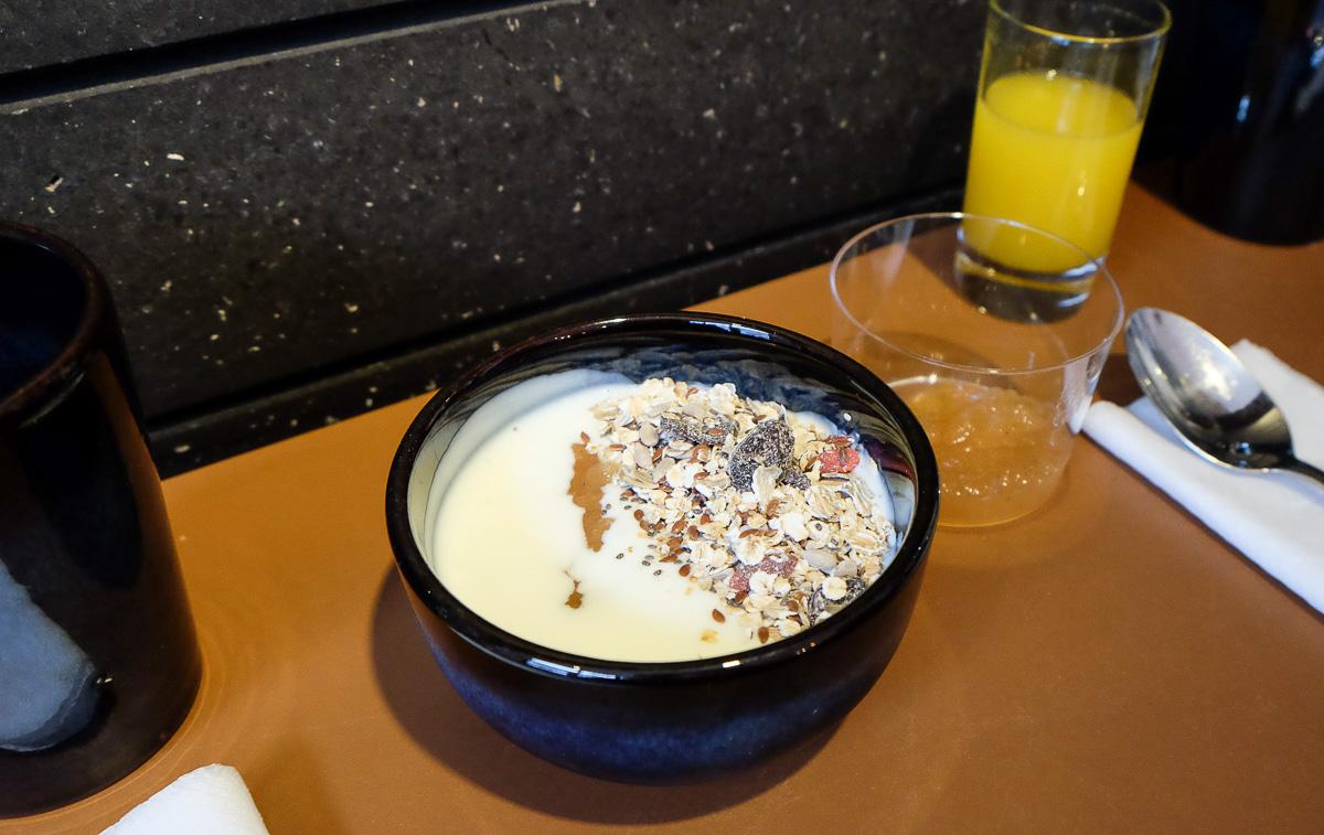 Yoghurt med hjemmelavet frugtkompot hos Rodfast