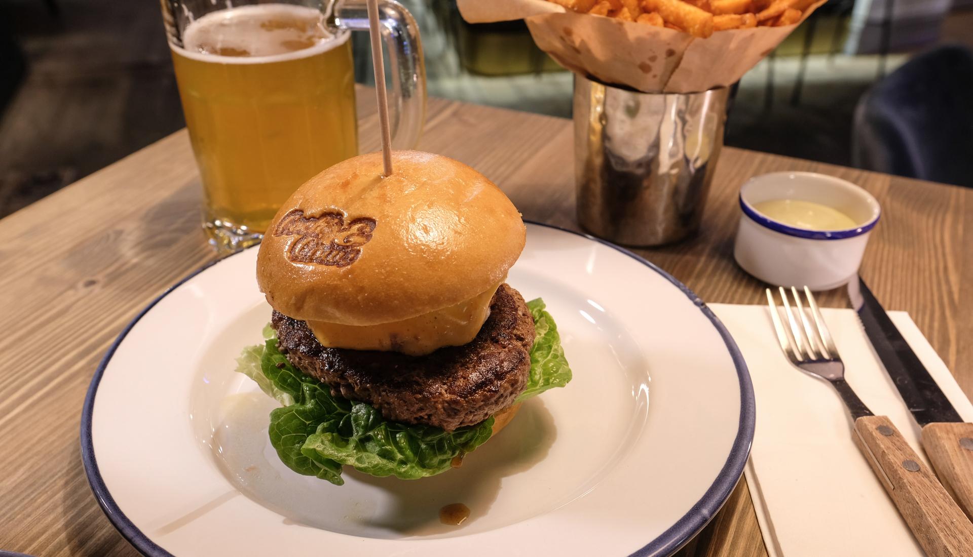 Anmeldelse af Cock's & Cows: Her får burgeren endelig respekt og topkarakter