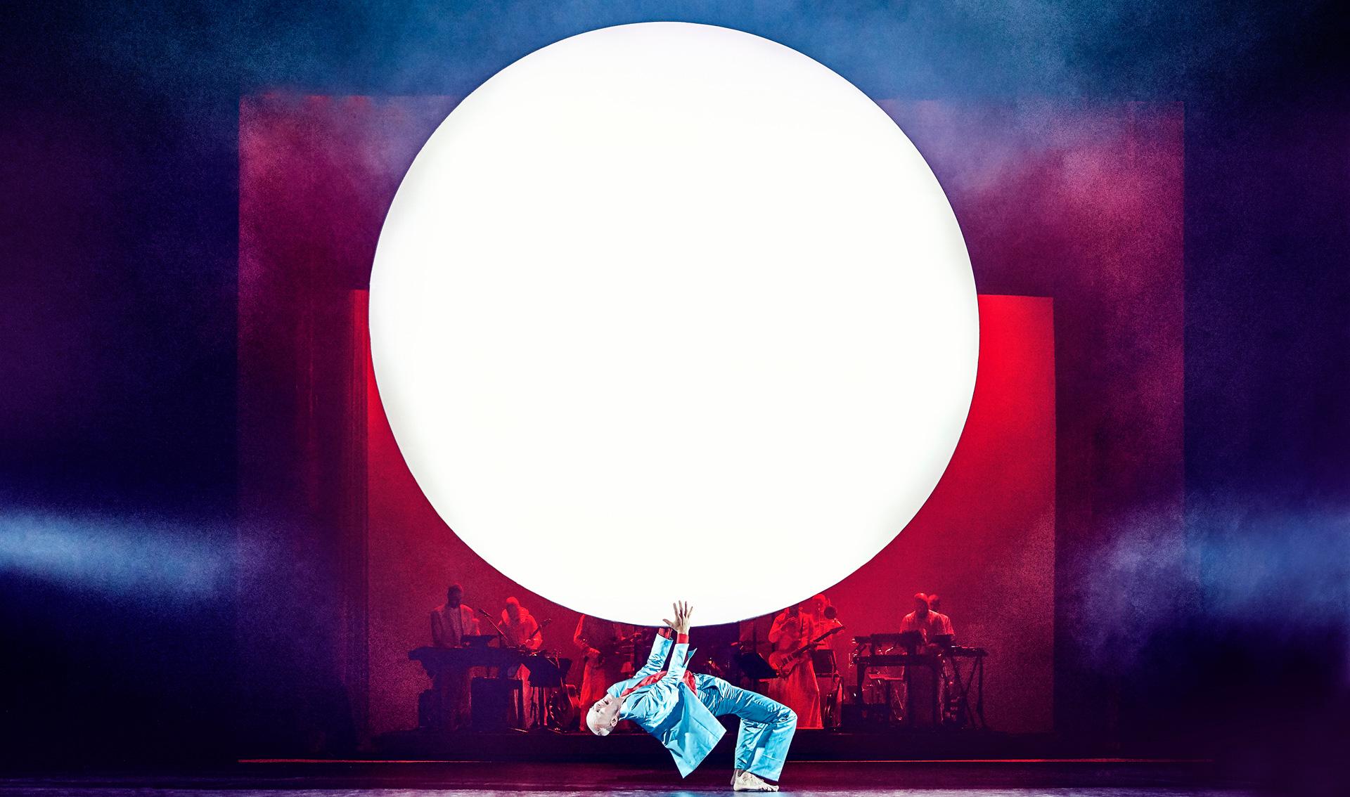 Anmeldelse af Lazarus: Rørende, forførende og et forrygende flot musikalsk show på Aarhus Teater