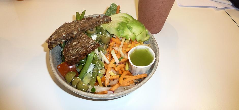Blandet salat på 300 gram hos Café GLAD! i Aarhus