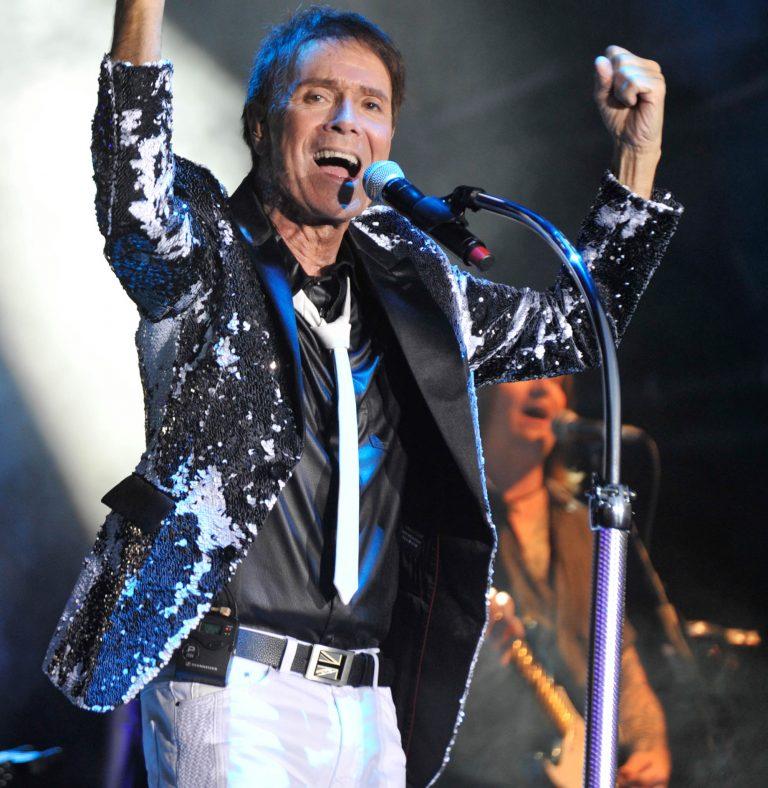 Cliff Richard: 58-18=60th Tour - Hits igennem 6 årtier i selskab med en sprudlende sanger