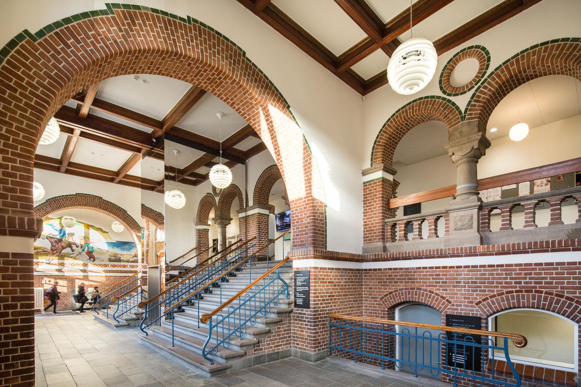 Fjordsgades skole: Ny café åbner i de smukke gamle lokaler