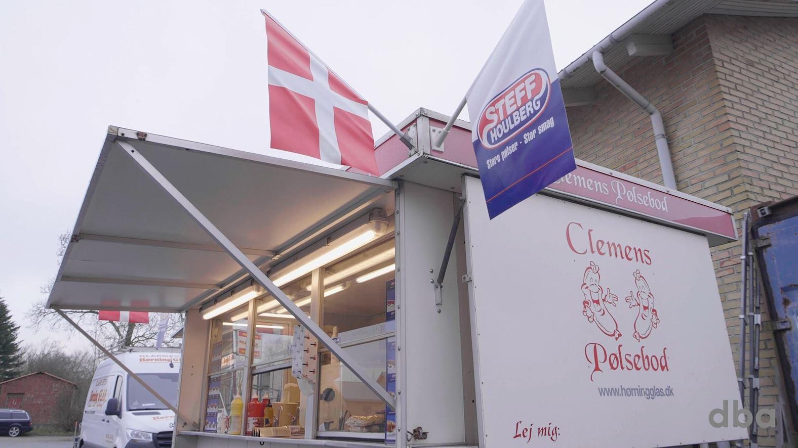 Kendt pølsevogn til salg: Nu kan du blive ny hotdog-konge i Aarhus