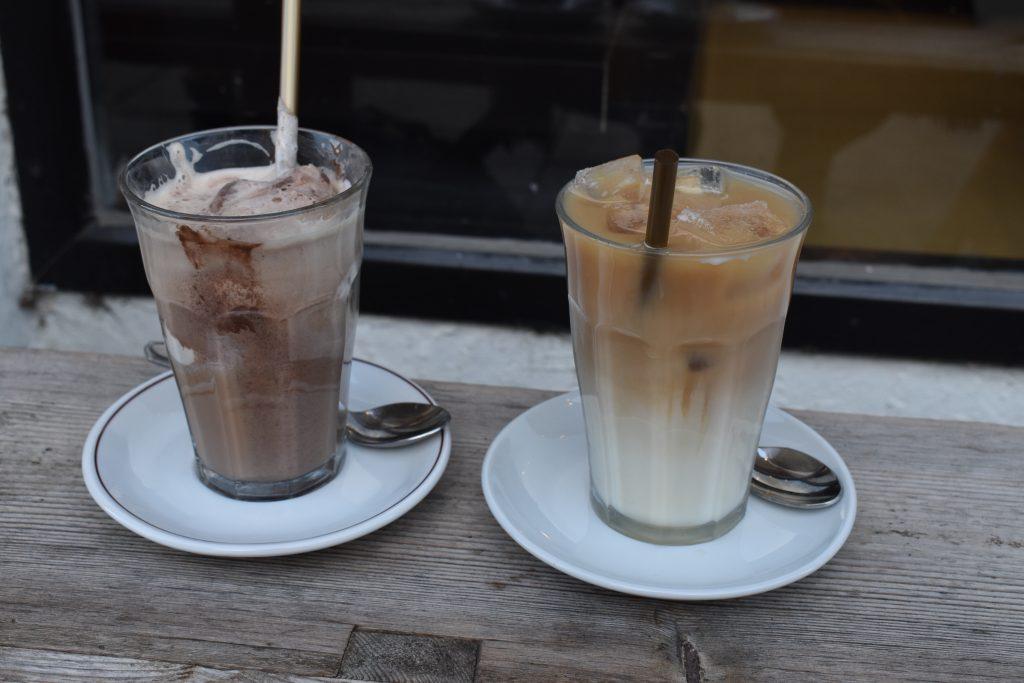 Bliv kølet ned i varmen: 9 steder med iskaffe i Aarhus