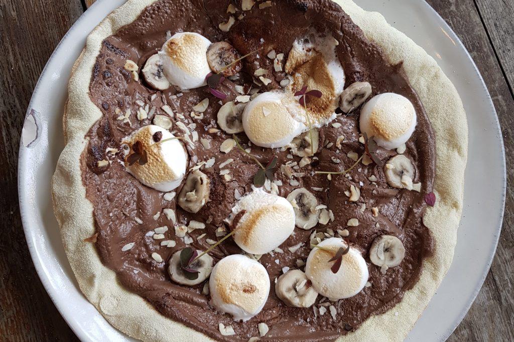 Genial kombi til den søde tand: Her får du himmelske Nutella-pizzaer i Aarhus