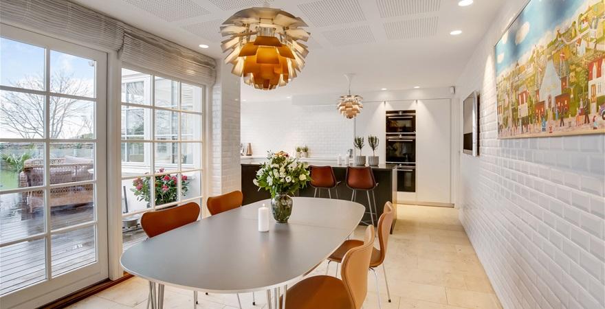 Liebhaveri, kvalitet og havudsigt: Her er Østjyllands dyreste hus