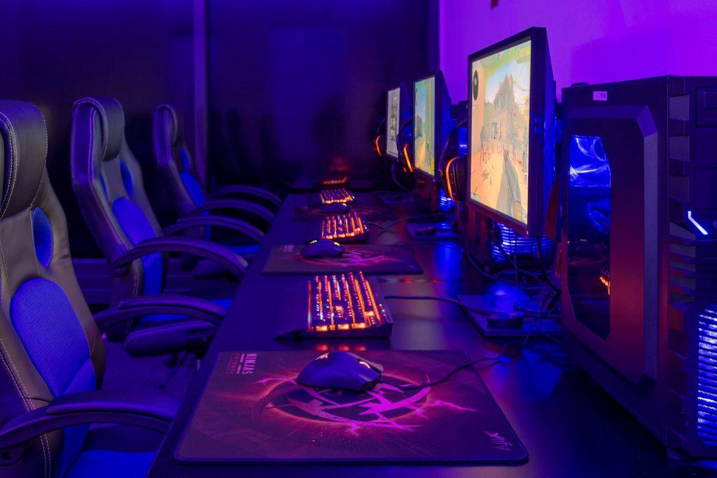 Spritnyt gaming-univers: Warzone og vaffelbidder med softice