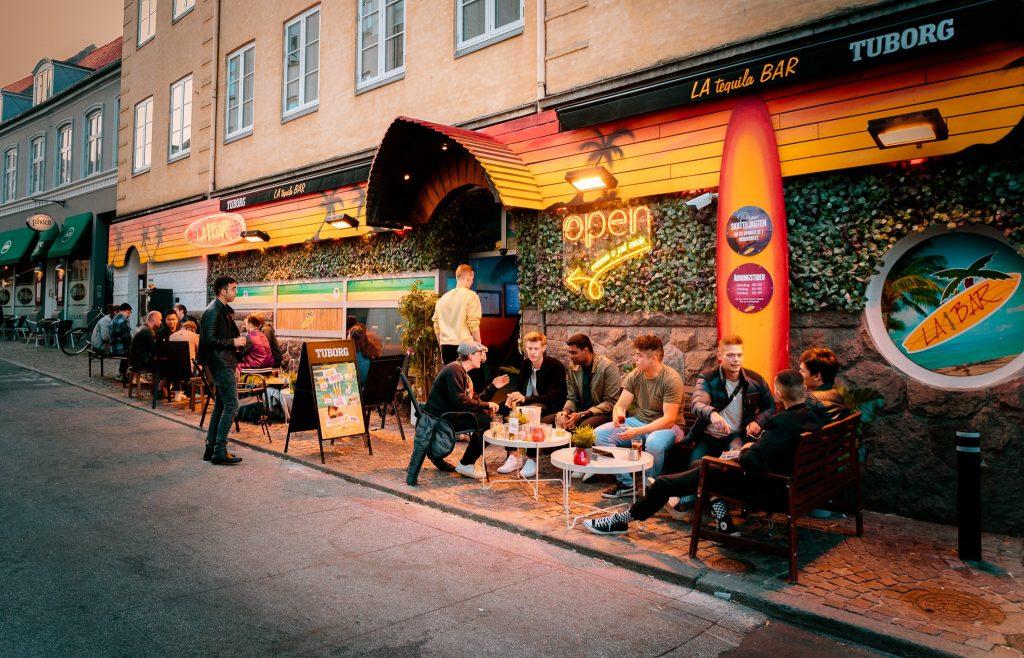 Gratis pizza og bajere: LA Bar inviterer til fest