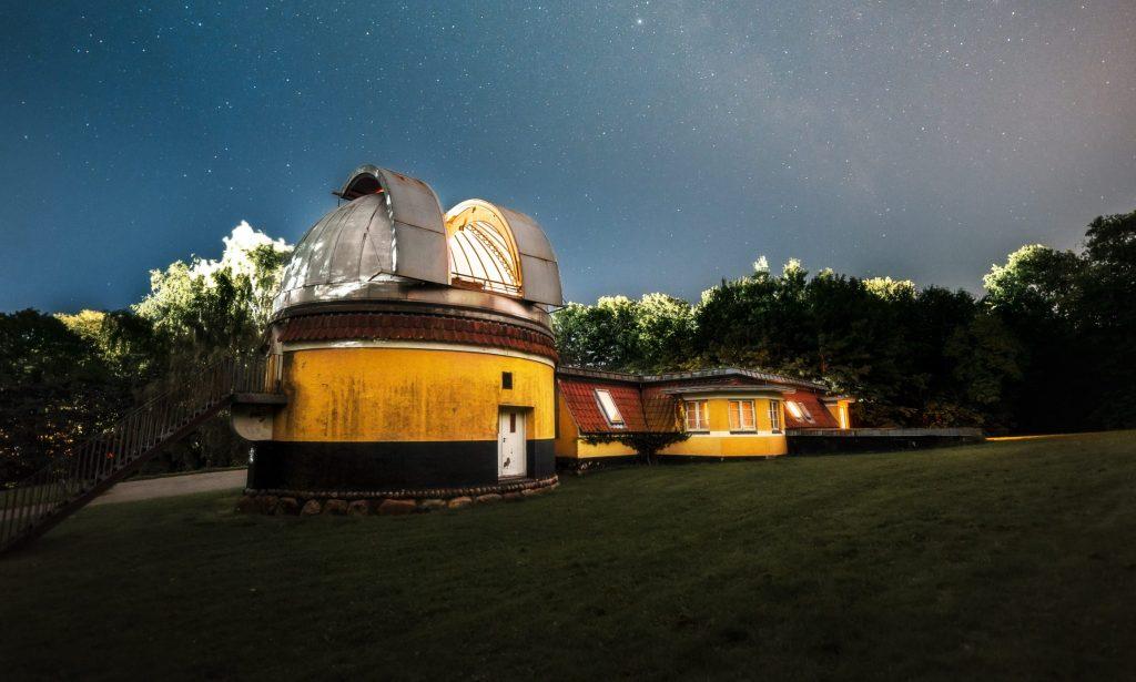 Kig ud i verdensrummet: Ole Rømer-Observatoriet renoveres og får nye aktiviteter