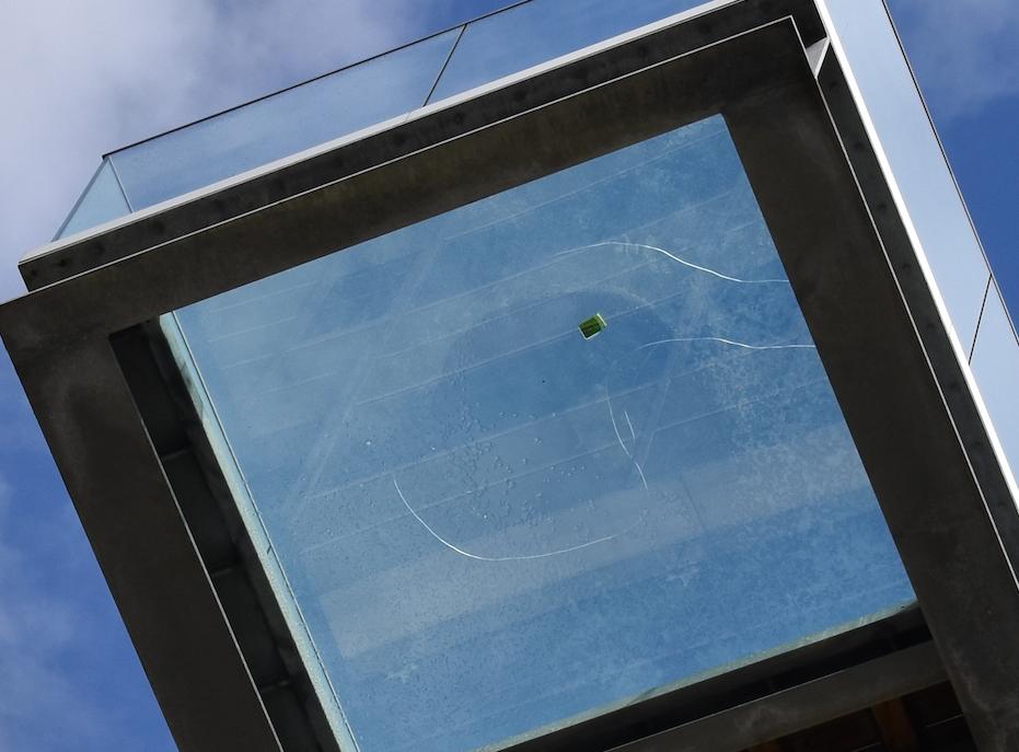 Kendt attraktion afspærret: Revne i Sallings glasbro