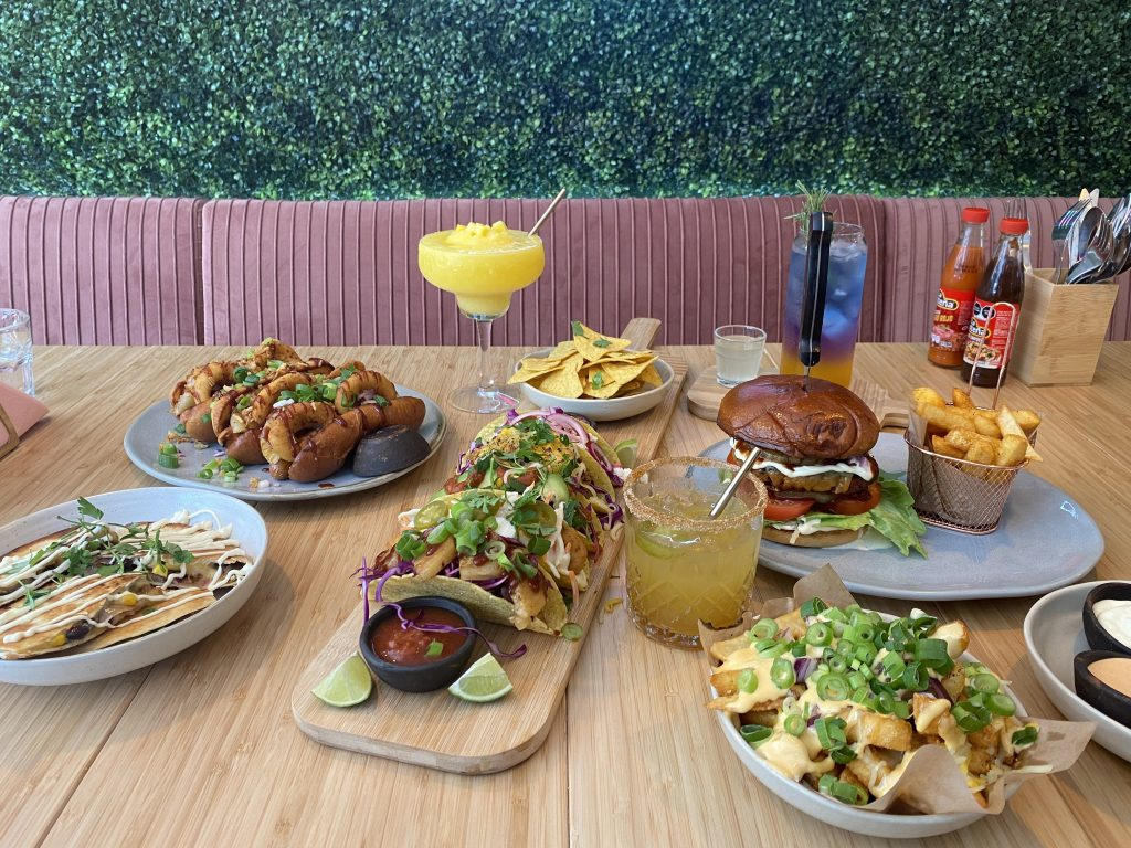 Hotdogs og tacos: Få et vegetarisk festmåltid hos nye Tipsy