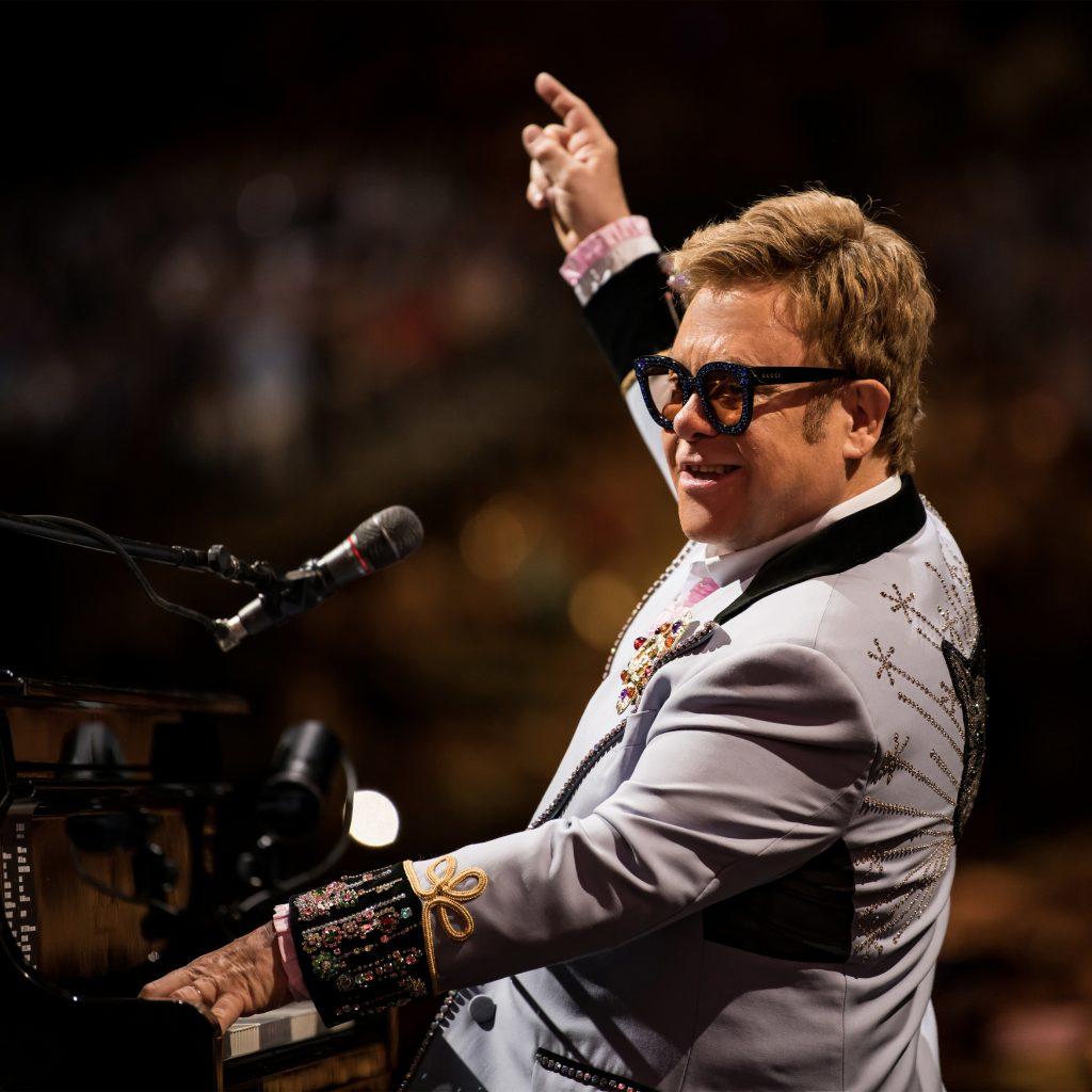 Sidste verdensturné nogensinde: Elton John besøger Horsens