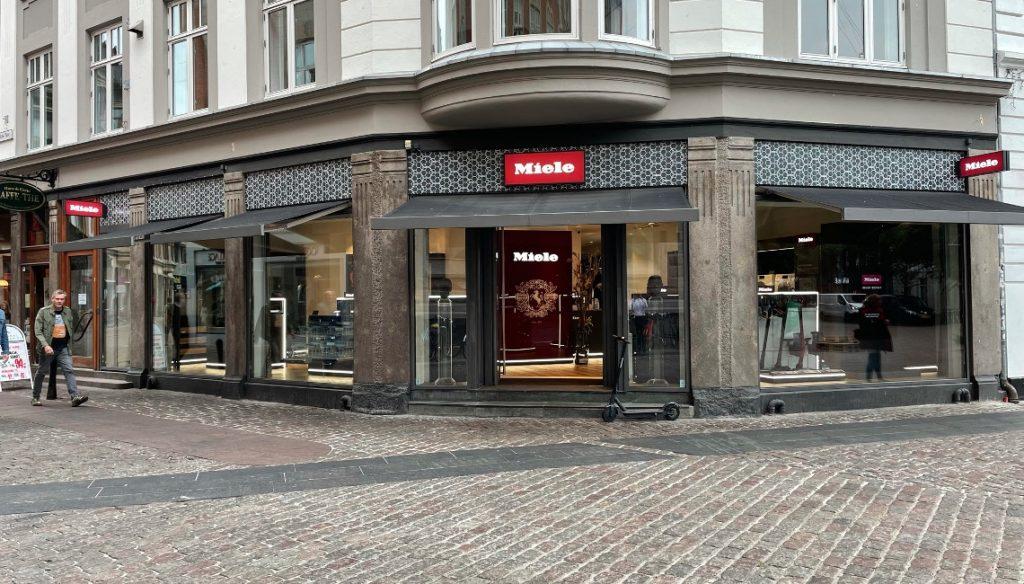 Ny Miele-butik fejrer åbning: Oplev kvinderne bag 'Tøsedrengene' optræde