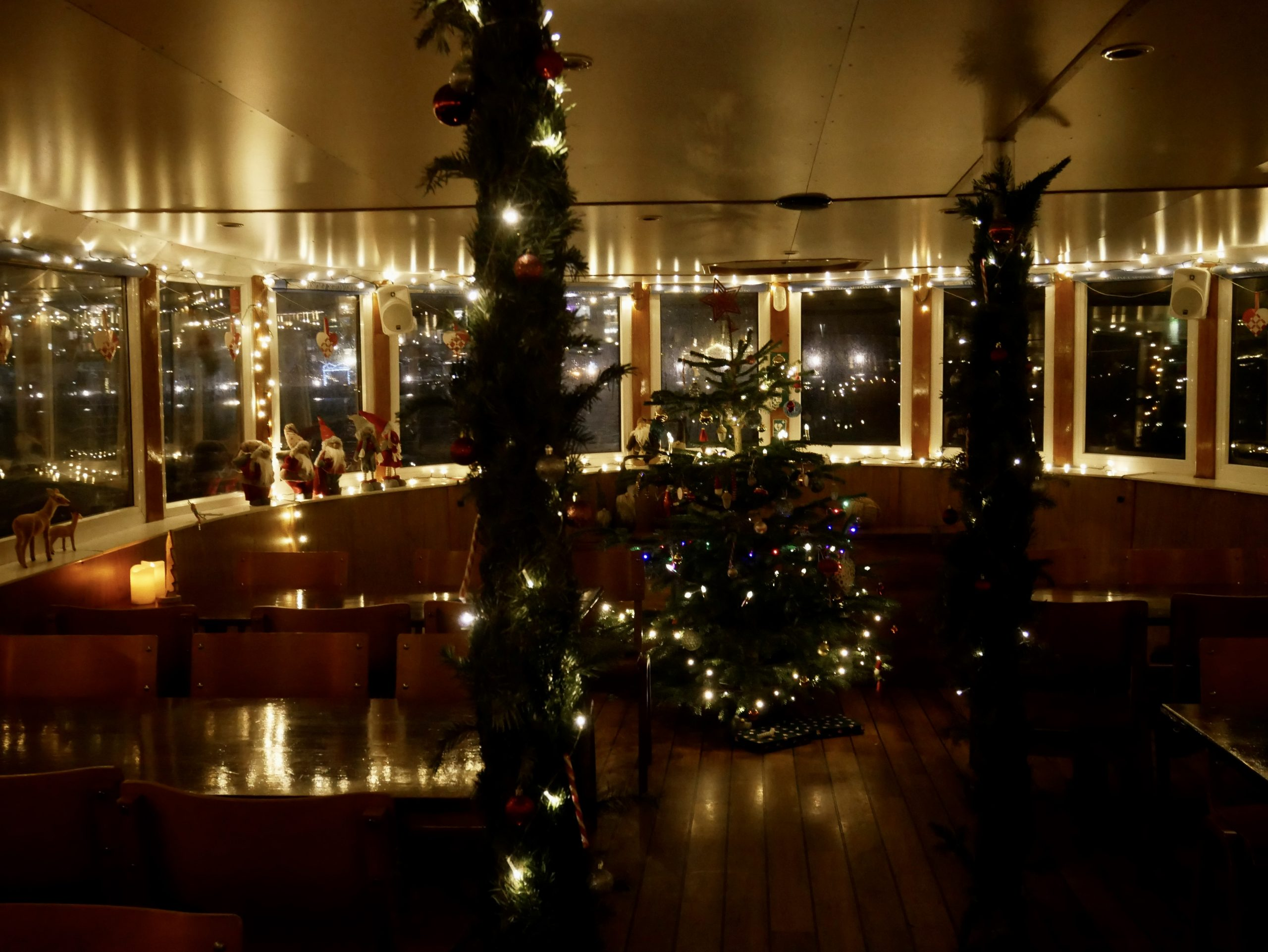Kom på magisk jule-sejltur: Havnerundfart med Juldamperen