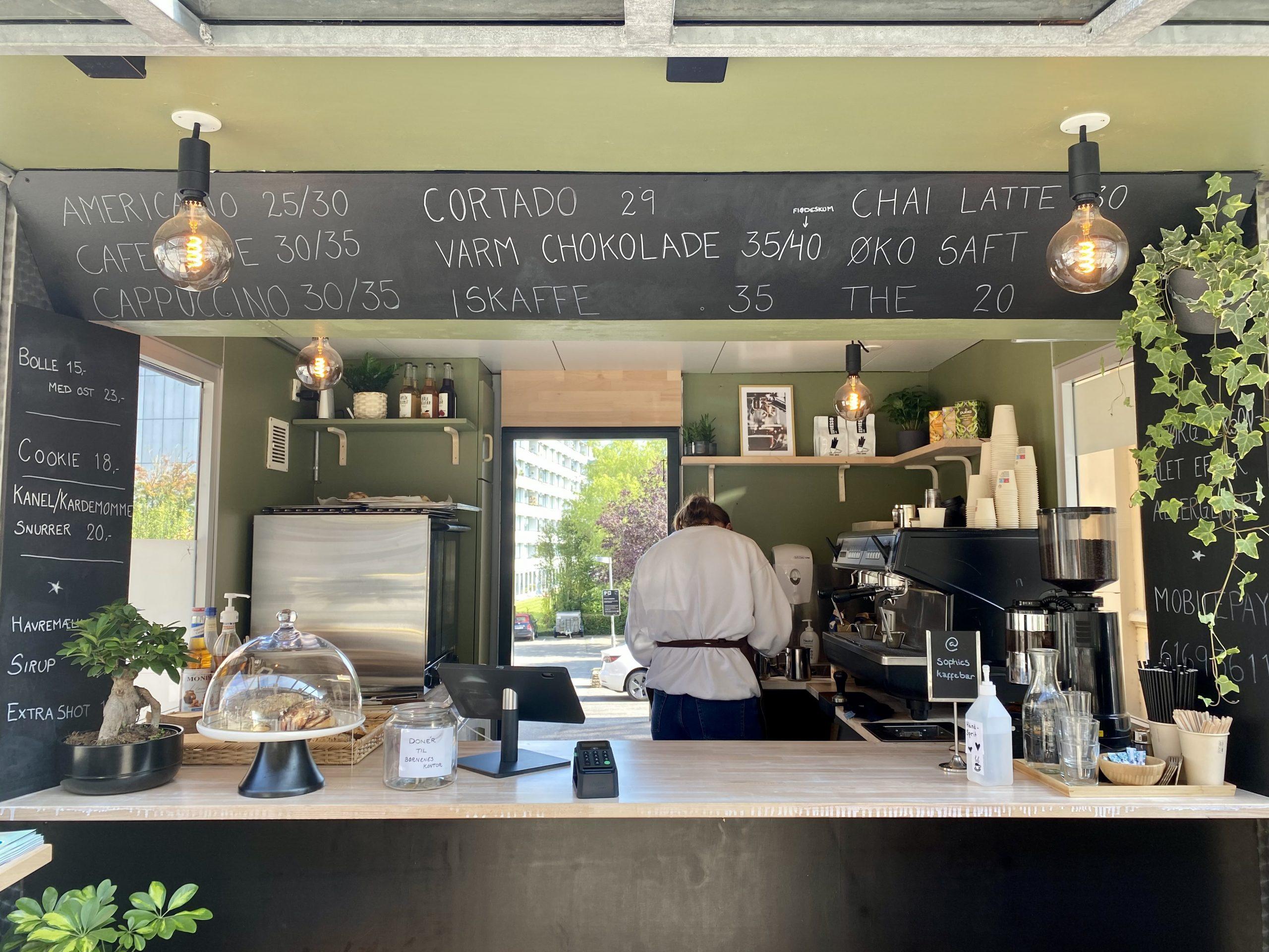 Fra pølsevogn til kaffebar: Ny kaffepusher på Trøjborg