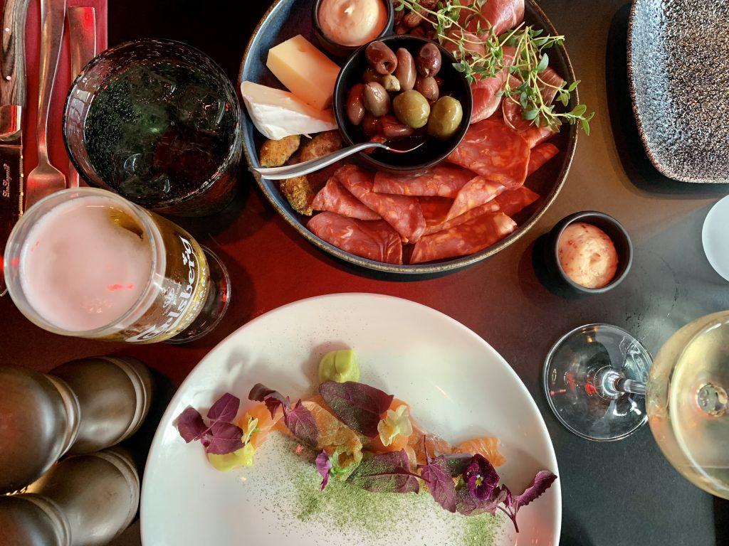 Det nye ZenZa: Kombinerer god mad med farverige cocktails