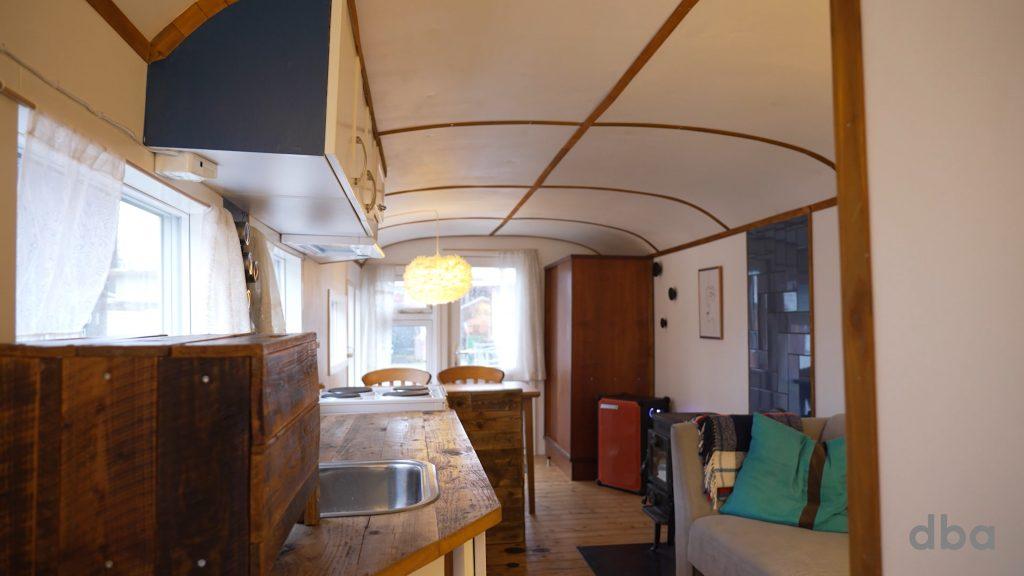 Sat til salg: Nu kan du bo i din helt egen cirkusvogn